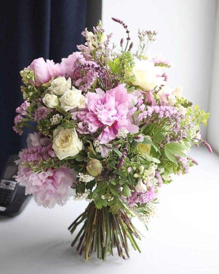 Deň matiek!!!  V nedeľu máme otvorené od 8.00 do 15.00 hod. Budeme mať pripravenené kytice kvetinové srdiečka aj box z ruží. Objednávajte na 0907 883 245 #kvetysilvia #kvetinarstvo #kvety #svadba #love #instagood #cute #follow #photooftheday #beautiful #tagsforlikes #happy #like4like #nature #style #nofilter #pretty #flowers #design #awesome #wedding #home #handmade #flower #summer #bride #weddingday #floral #naturelovers #picoftheday