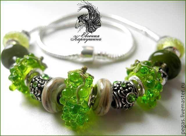 """Купить Бусы """"Зелёный виноград"""" стиль Pandora - зеленый, виноград, авторские украшения, авторский лэмпворк"""