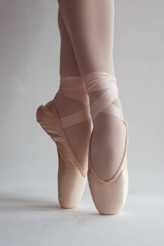 pointes de danse classique, pieds de danseuse