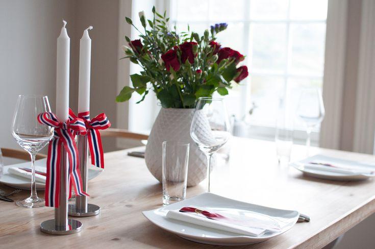 Meny til 17. mai med frukost, middag, tapas, og kaker. Her finn du både skuffekaker, pavlova i ulike variantar og eit stilfullt pynta bord.