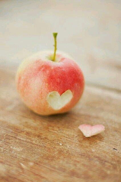 Apple heart ♡
