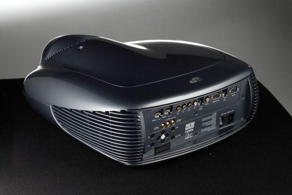Sim2 Superlumis leverer 3800 ANSI Lumen med en ny 350 watt dimbar pære.