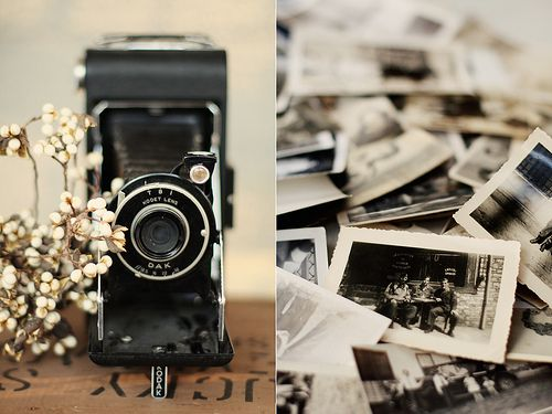 black and white photos: Old Camera, Vintage Camera, Vintage Photographers, Vintage Wardrobe, Schools Photography, Dreams Wedding, Old Pictures, Old Photography, Old Photographers