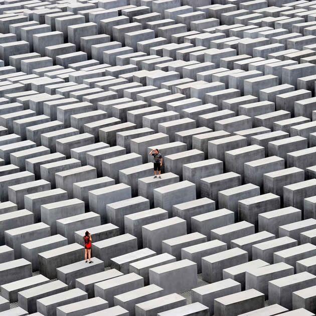Holocaust Denkmal—Peter Eisenman (2004) Berlin, Alemania.