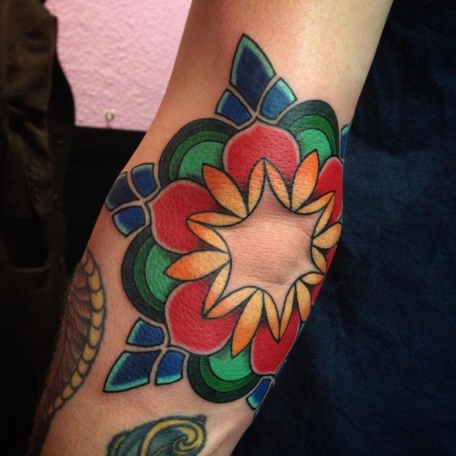 50 beautiful elbow tattoo designs many types tattoos pinterest beautiful farben und. Black Bedroom Furniture Sets. Home Design Ideas