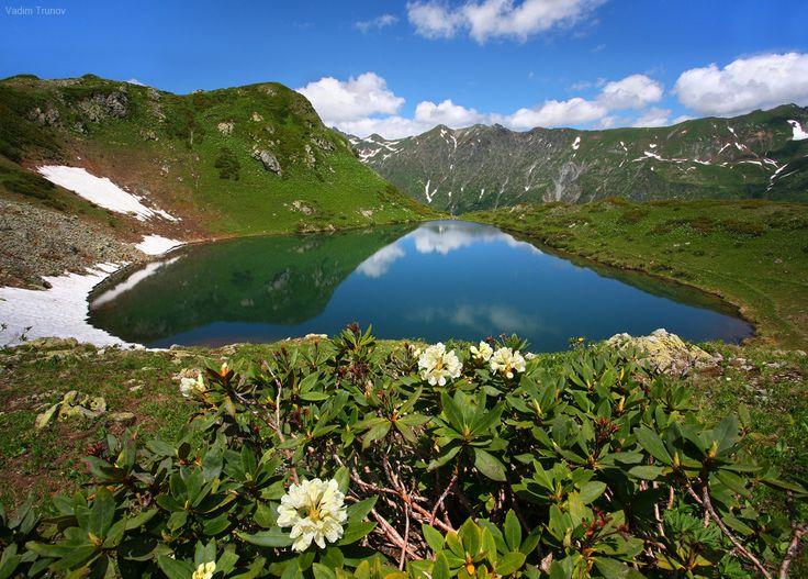 Высокогорное озеро - null