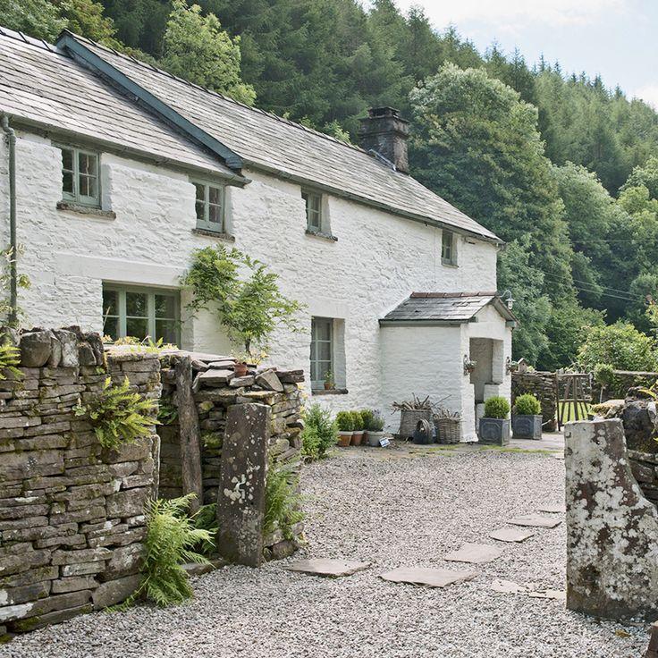 Take a tour around this 17th-century Monmouthshire Cottage