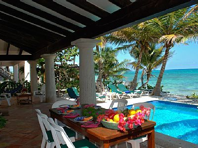 Poolside dining, Casa San Francisco, South Akumal