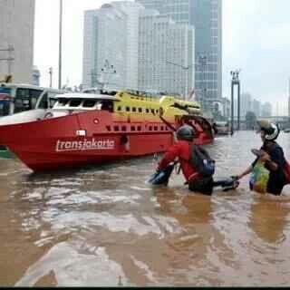 Transportasi alternatif ketika banjir