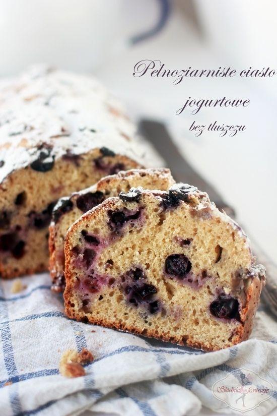 Pełnoziarniste ciasto jogurtowe z owocami / Whole Wheat Yogurt Cake with Fruit