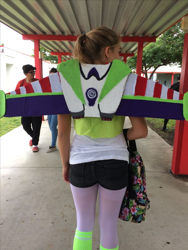 Buzzlighter DIY costume all you need is a tri fold poster board, felt and hot glue
