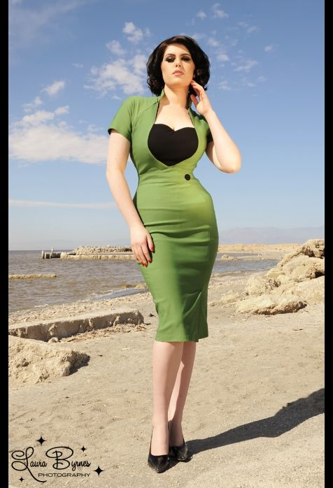 Veronica Dress in Green with Black Heart: Black Heart, Veronica Dresses, Pinupgirl, Pinup Girls, Girls Clothing, Pinup Couture, Girls Style, Pin Up Girls, Green Dresses