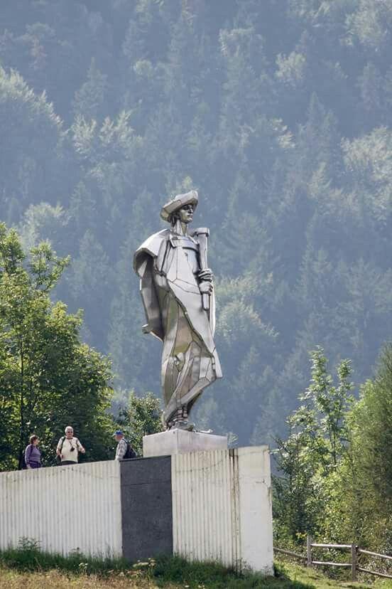 Zdielane f. socha Janošik - Terchova Slovakia
