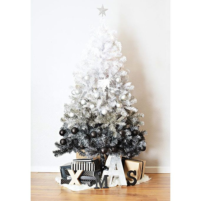 14 Original Ways to Decorate your Christmas Tree | divine.ca