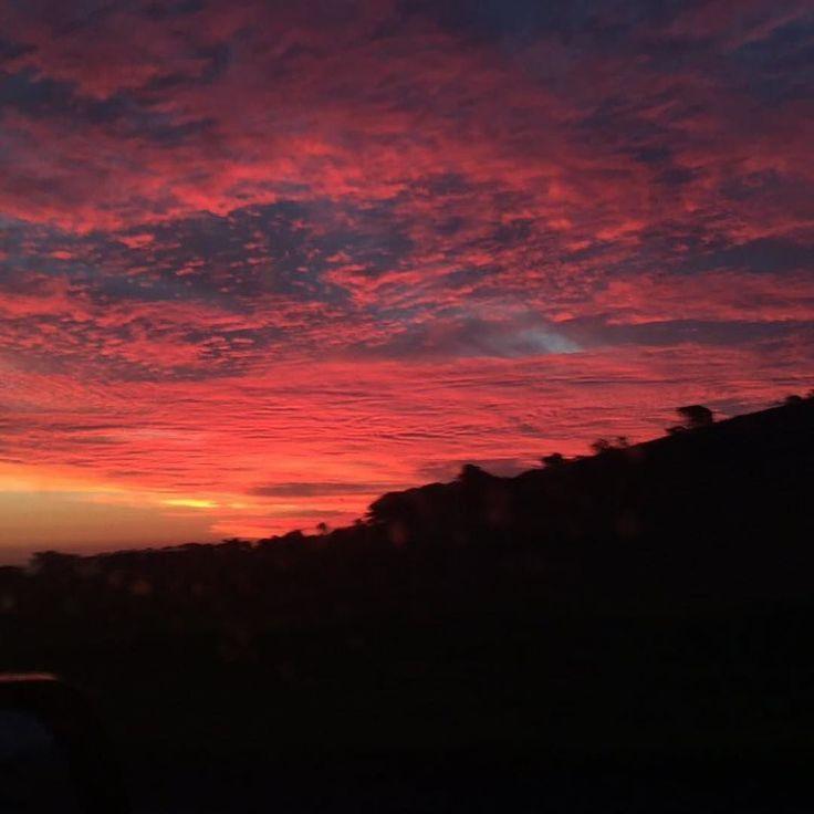 #Repost @kirstencherie92  Last nights sunset  #sunset #warrnambool #towerhillreserve @destinationwarrnambool by destinationwarrnambool