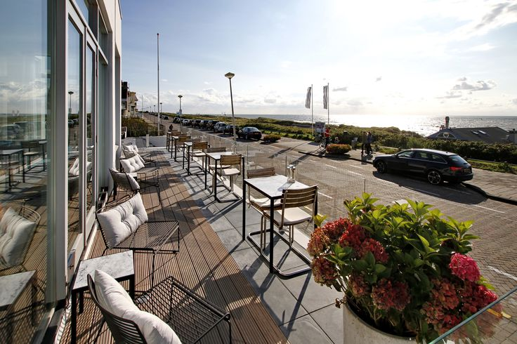Boutique hotel Vesper overlooks the ever-changing North Sea and is situated in the most beautiful and exclusive surroundings of Noordwijk.