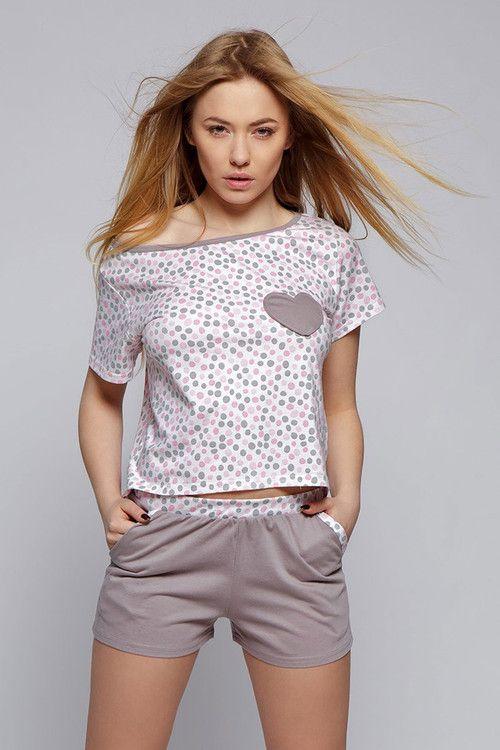 Пижама ROKSI - интересен характер: малко по-дълга отзад със сиво-розови точки и сърце, къси шорти