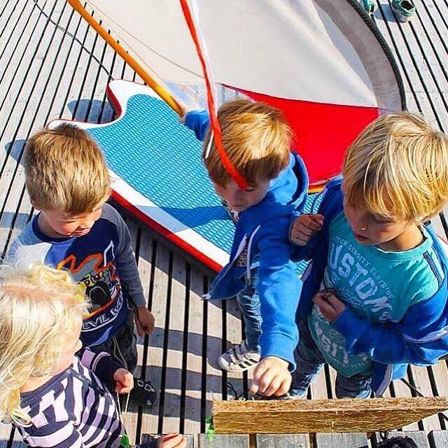 ⓗⓐⓟⓟⓨ ⓜⓞⓝⓓⓐⓨ to all our super awesome WhipperRippers! 🐠⠀ ⠀ #Summerdays #WhipperFamily #Ohana #WhipperKids #WhipperFun #KidsatSea #Kidsonboard #Surf #WorldofWindsurf #PWA #KidsfirstWindsurf #BeachKids #SurfGroms #Windsurfing #Upcomlings #SurfKids #Awesome #ActiveKids #WhipperKids