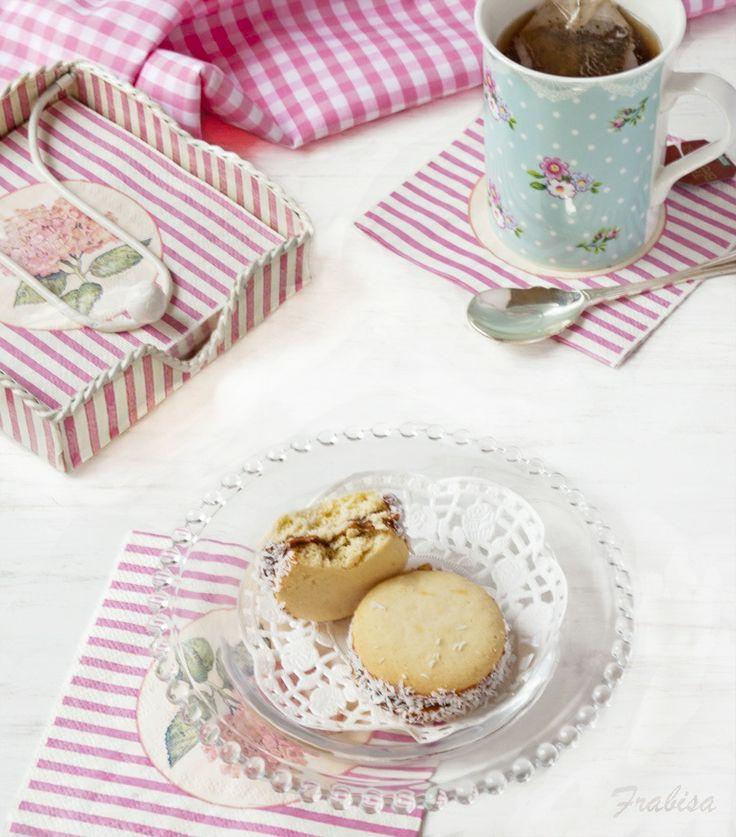 La cocina de Frabisa: RECETA: Alfajores de MAIZENA y dulce de leche
