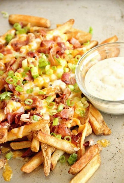 Copycat Outback Aussie Cheese Fries | Having company over? These cheese fries are the perfect appetizer to have around.