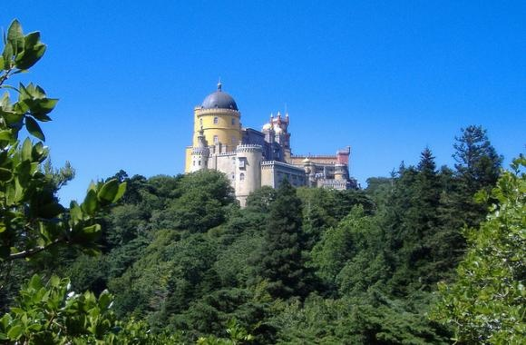 Honeymoon road trip in Portugal: from Lisbon to Viana do Castelo | Our Wedding in Portugal