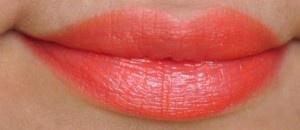 orange lipstick for pale skin