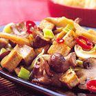 Tofu met prei en paddenstoelen - recept - okoko recepten