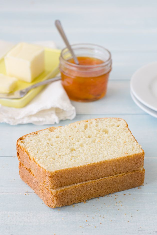 Sally Lunn Bread - a simple, no-knead recipe for an incredibly light, fluffy, and airy bread. | brighteyedbaker.com