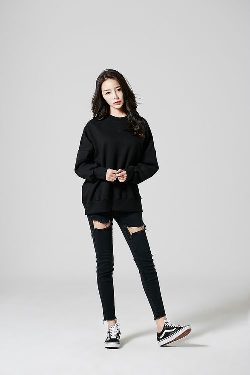 Best 25 black korean ideas only on pinterest korean fashion winter korea fashion and asian Korean fashion style shoes