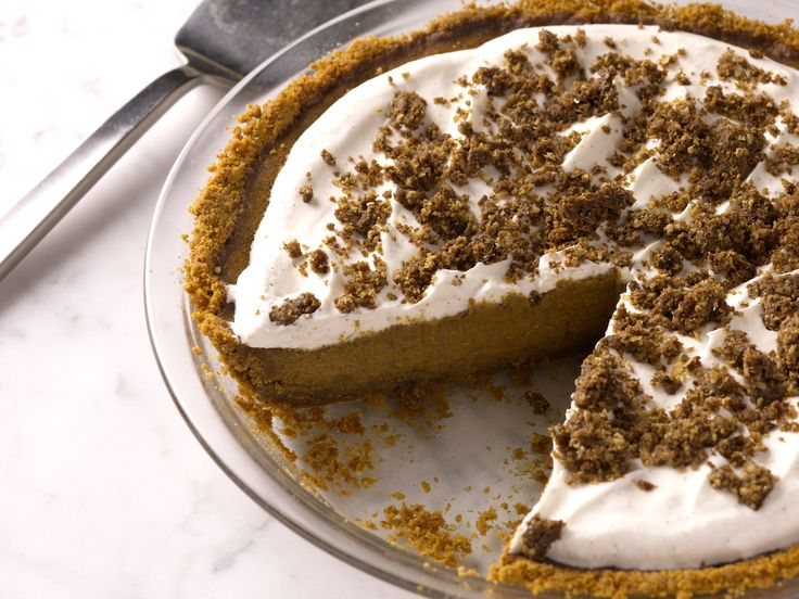 Bobby Flay's Pumpkin Pie with Cinnamon Crunch and Bourbon-Maple Whipped Cream Recipe : Bobby Flay : Food Network - FoodNetwork.com