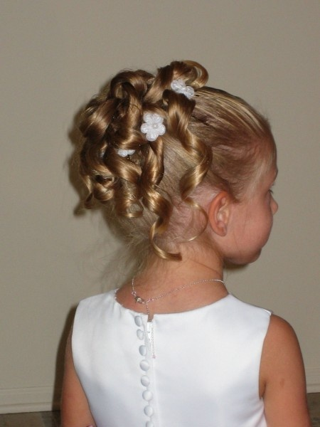 Flower Girl hair. Like these curls but the curls might need to be pinned up a little more on Abby
