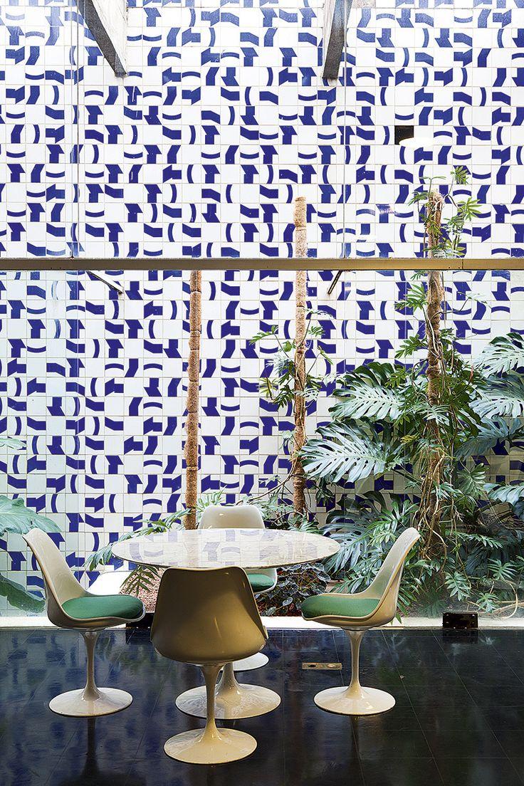 Saarinen Tulip table and chairs.