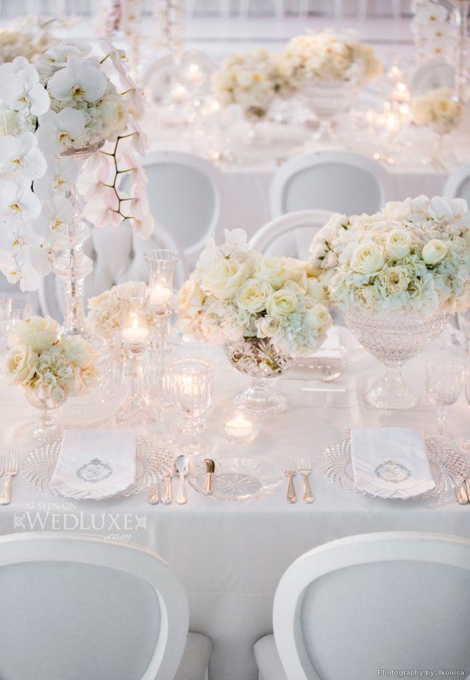 Love it!! todo blanco, y me gustaría unos toques de blush pink y dorado. me encantan las sillas, las servilletas y el setting