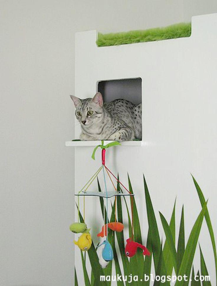 Sariu0027s DIY Cat Castle