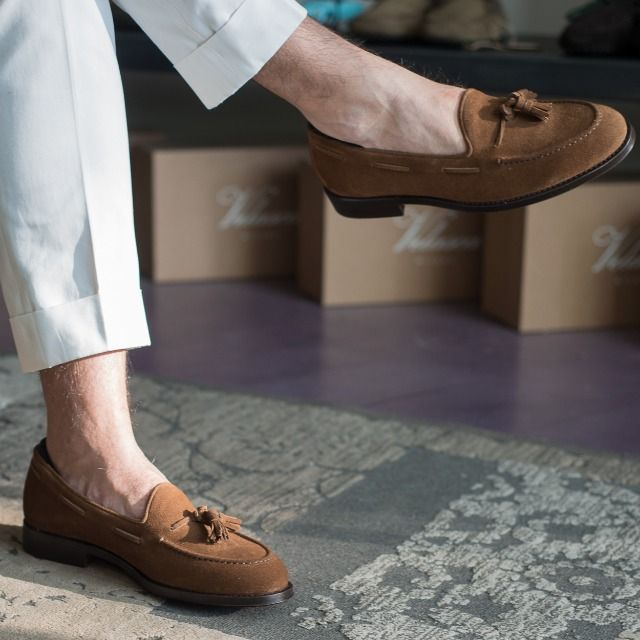 """""""Only a life lived for others is a life worthwhile."""" Albert Einstein  Trombee, our tassel loafers in light brown #suede leather available online at www.velasca.com. Link in profile to #shop.  Limited edition designed by @fabioattanasio  #velascadudes #thebespokedudes #tassel #tasselloafers   #velascamilano #madeinitaly #shoes #shoesoftheday #shoesph #shoestagram #shoe #fashionable #mensfashion"""
