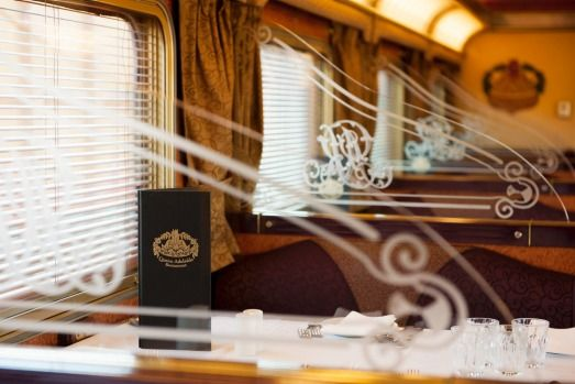 Gold service dining car: The Ghan.