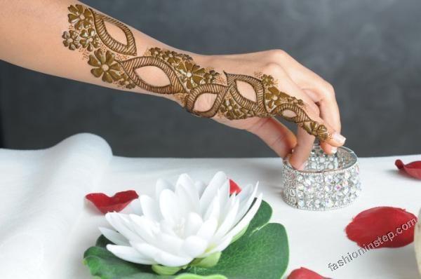 2012 henna pattern