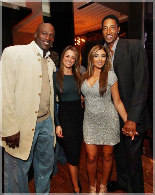 who is michael jordan ex dating It is reputed that michael met juanita at a chicago bennigan's  at a friend's  party a few weeks later, and began dating from that point on.