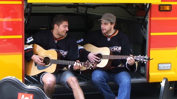 Lupul and Ryan - With their acoustic axes - True Cali rockstars (Joffrey Lupul and Bobby Ryan, former Ducks teammates, bring their guitars with them everywhere to unwind)