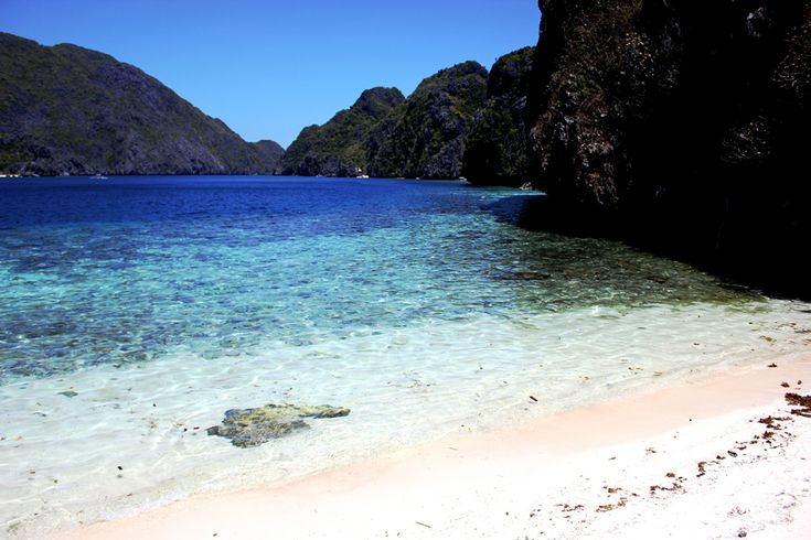 TRAVEL /The Phillippines: thousand hidden Islands - Bacuit Archipelago, El Nido, Palawan http://www.whatabouther.nl/travel-de-filipijnen-duizend-verborgen-eilanden-el-nido-palawan/