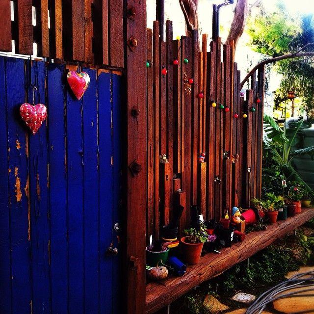 #salvage #timber #screen #reuse #benchseat #courtyard #tarragindi #yardslandscaping #gardendesign  #yards #brisbanegarden #love