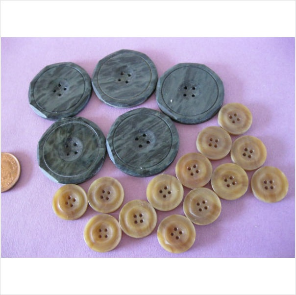 159 best images about button button vintage buttons for Craft buttons for sale