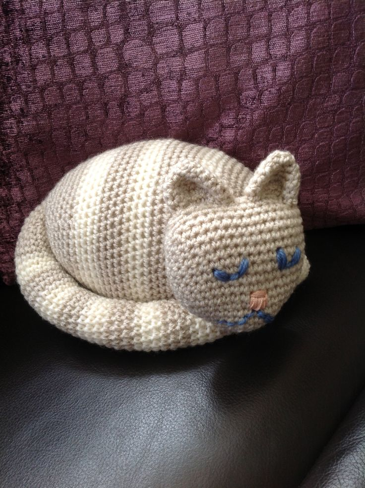 Isn't he cute! For my mam's birthday. Cat doorstop from Woman's Weekly knitting and crochet magazine.