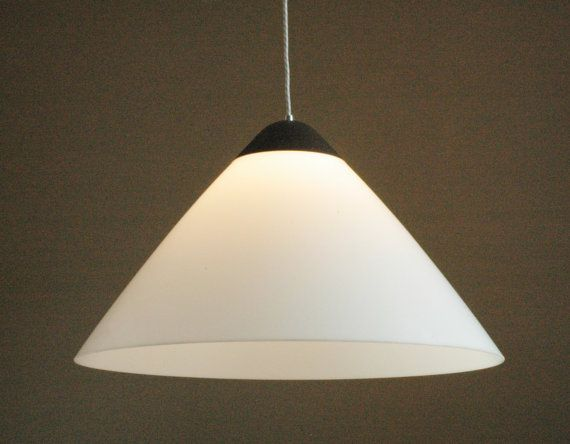 Hans J. Wegner for Louis Poulsen XXL Opala pendant door ICONICLIGHTS, €395.00