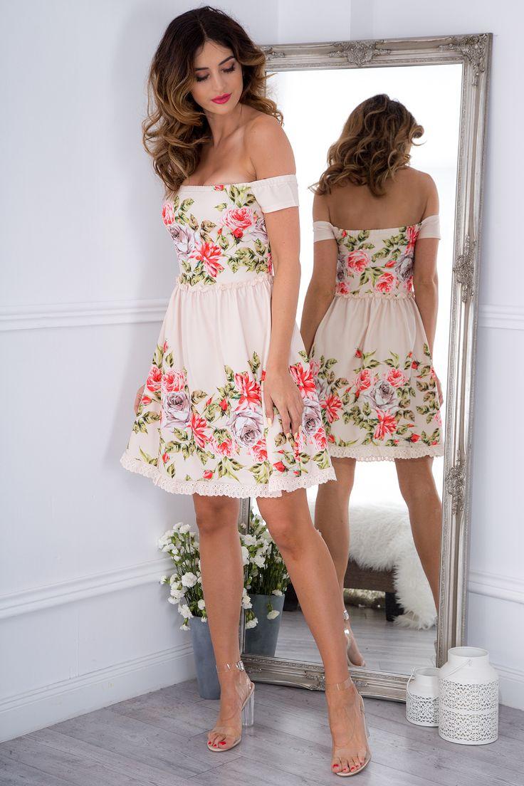 Pudrowa sukienka w kwiaty 8243