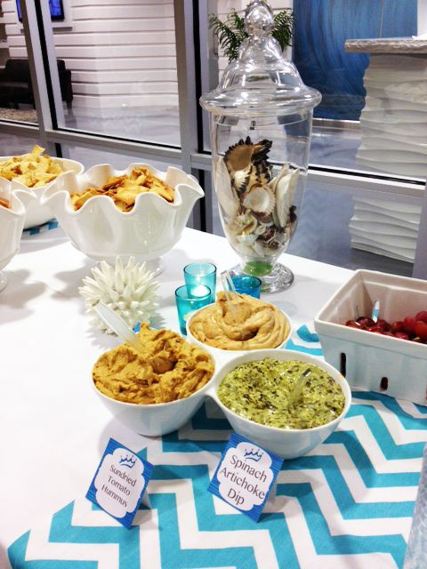 How to throw a beach party without a beach! Such pretty party ideas!