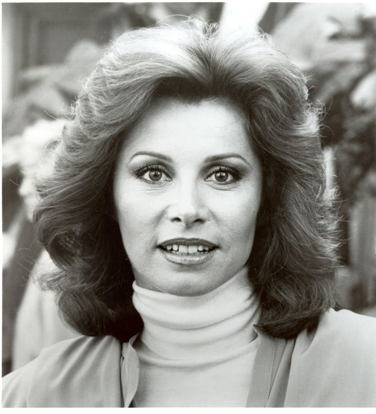 Stefanie Powers (born 2 November 1942) is an American film and television actress best known for her role as Jennifer Hart in the 1980s television series Hart to Hart. Description from pinterest.com. I searched for this on bing.com/images