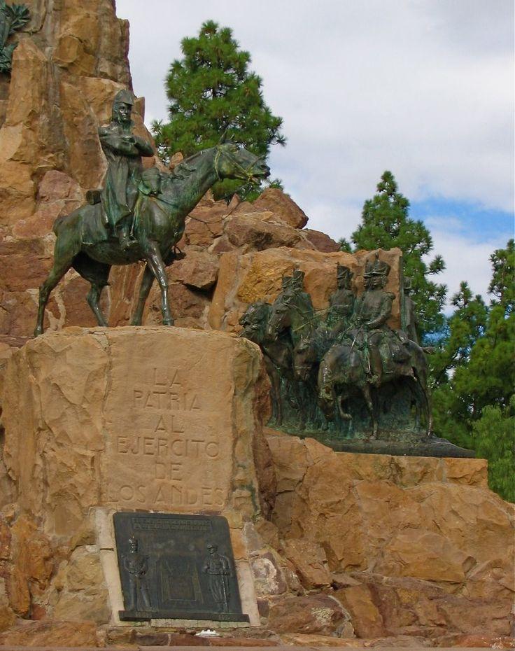 """""""""""Detalles del monumento al Libertador General San Martin. Cerro de La Gloria, Mendoza, Argentina"""