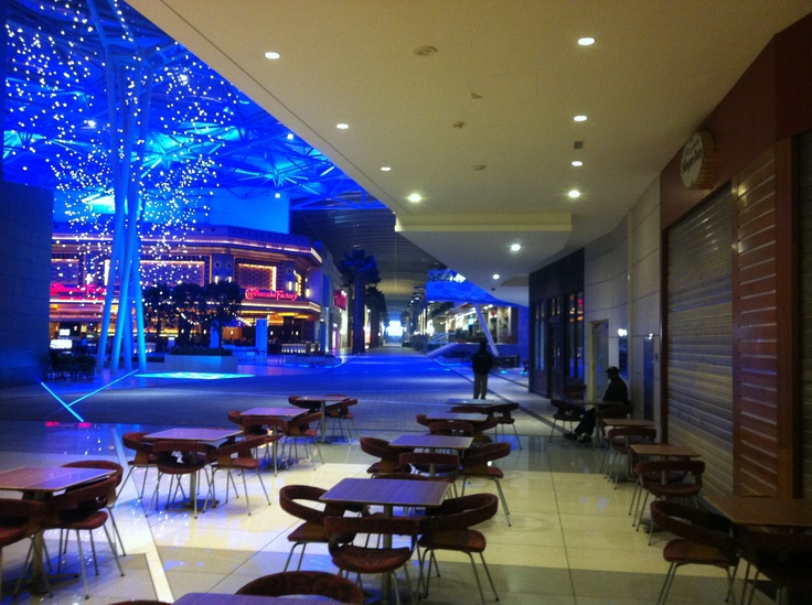 5:00 in the morning @The Avenues nice