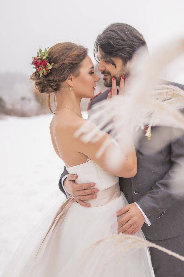 Romantic winter wedding.